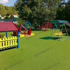 Детская игровая площадка из искусственной травы